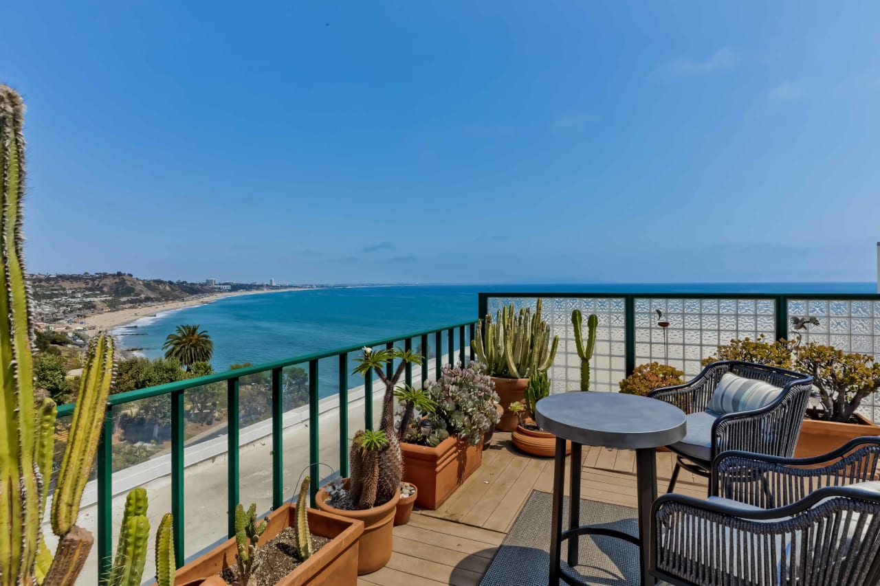 New Price | Edgewater Towers Penthouse No. 4