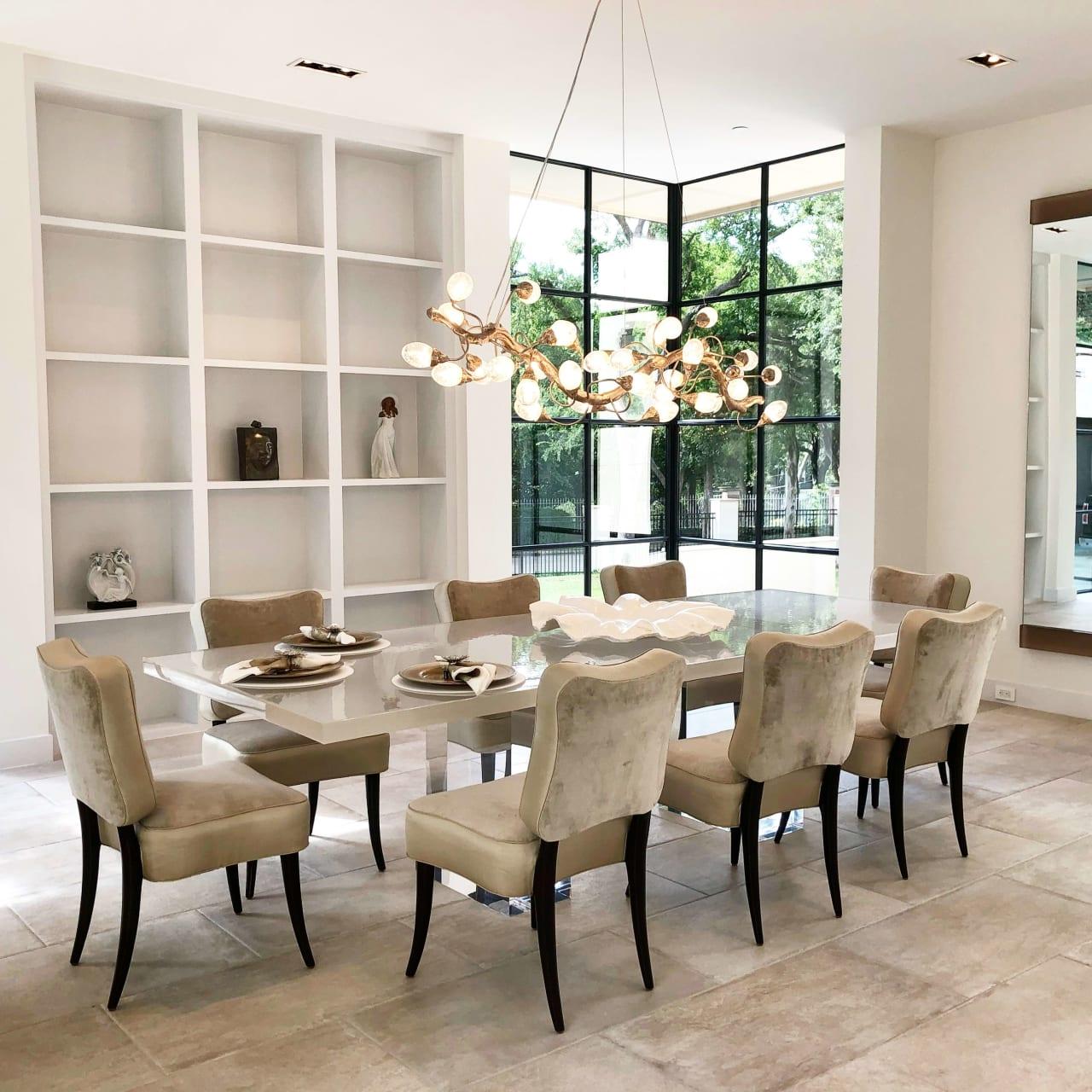 Dining Room image 1