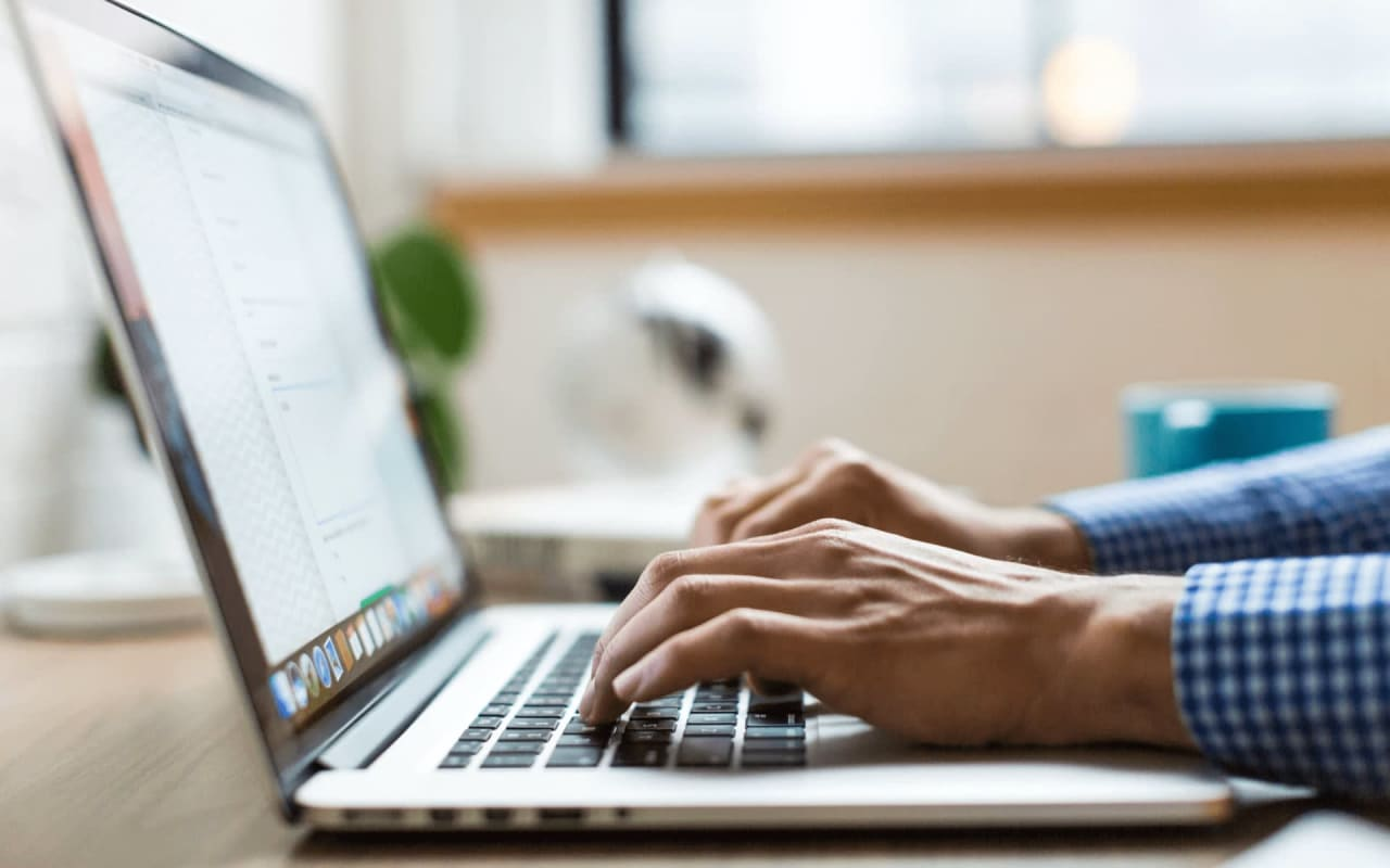 To Post or Not to Post: Tips for Selling Your Home Online