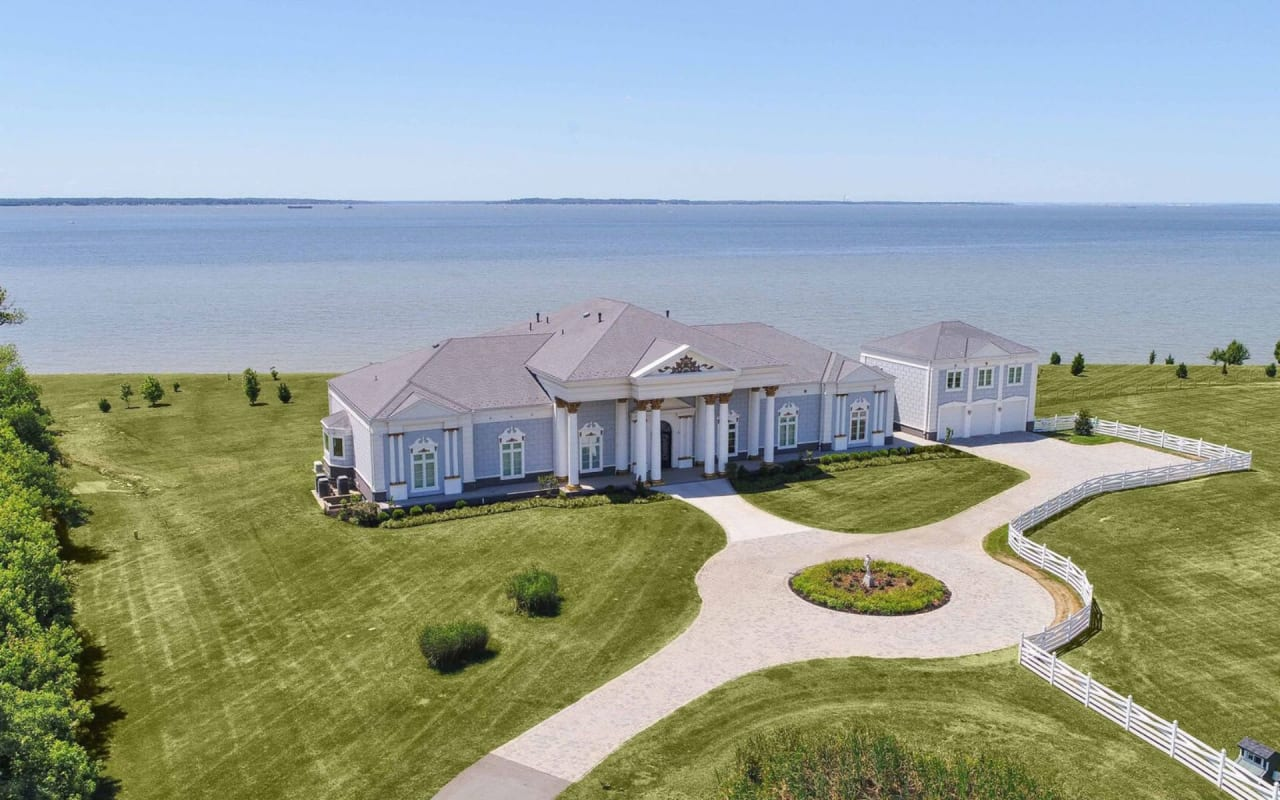 How the Pandemic Has Pushed Home Buyers to Choose Waterfront Property cover