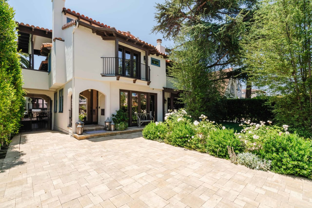 In Escrow | 728 12th Street