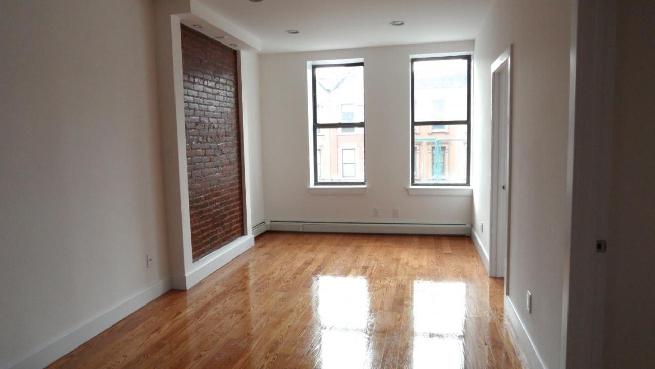 496 Manhattan Ave, #3A