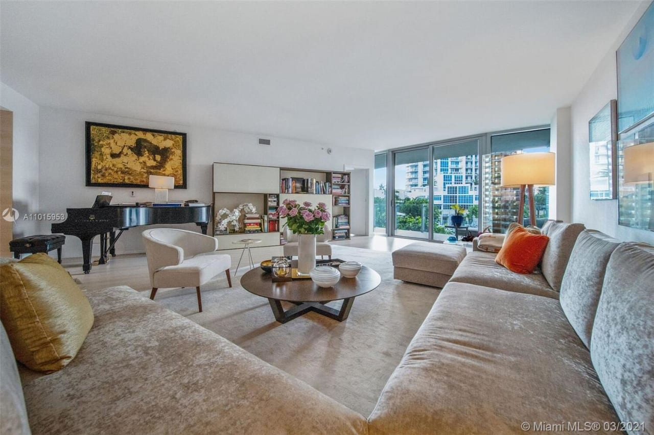 1 Collins Ave, #304