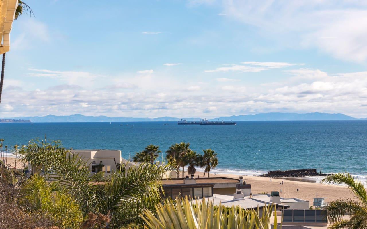 7040 Vista Del Mar Ln
