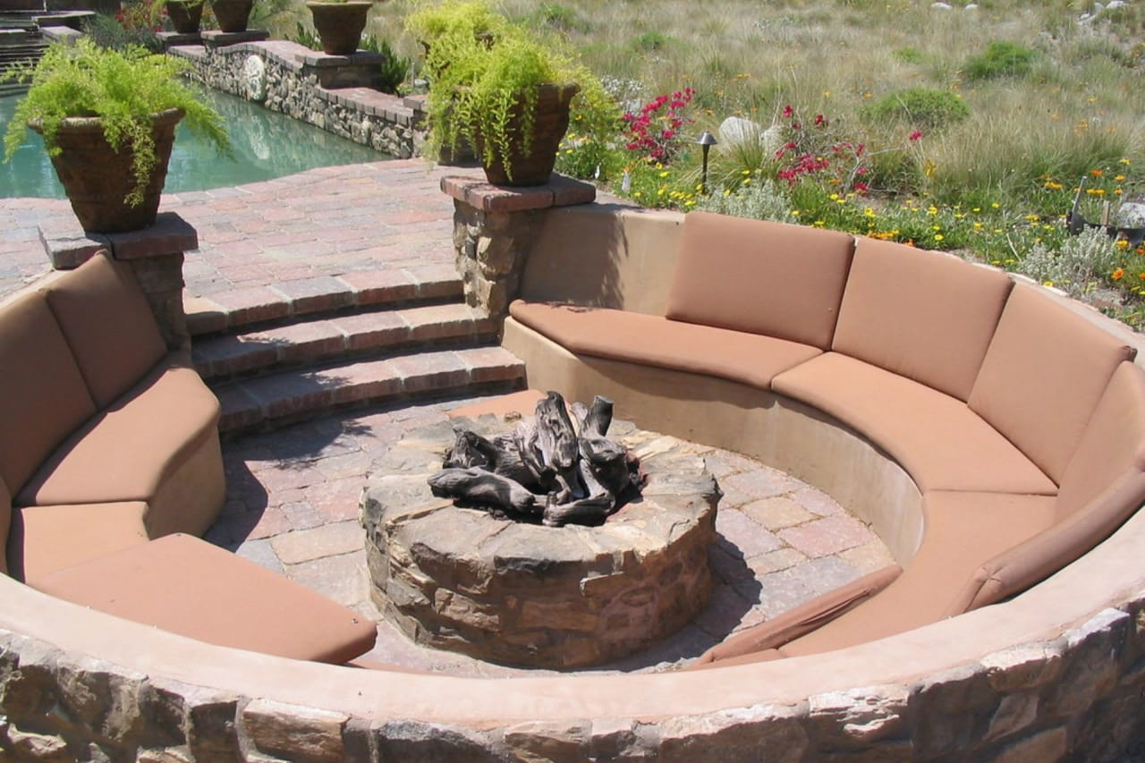 Make the Most of Your Outdoor Entertaining Area With These 5 Updates