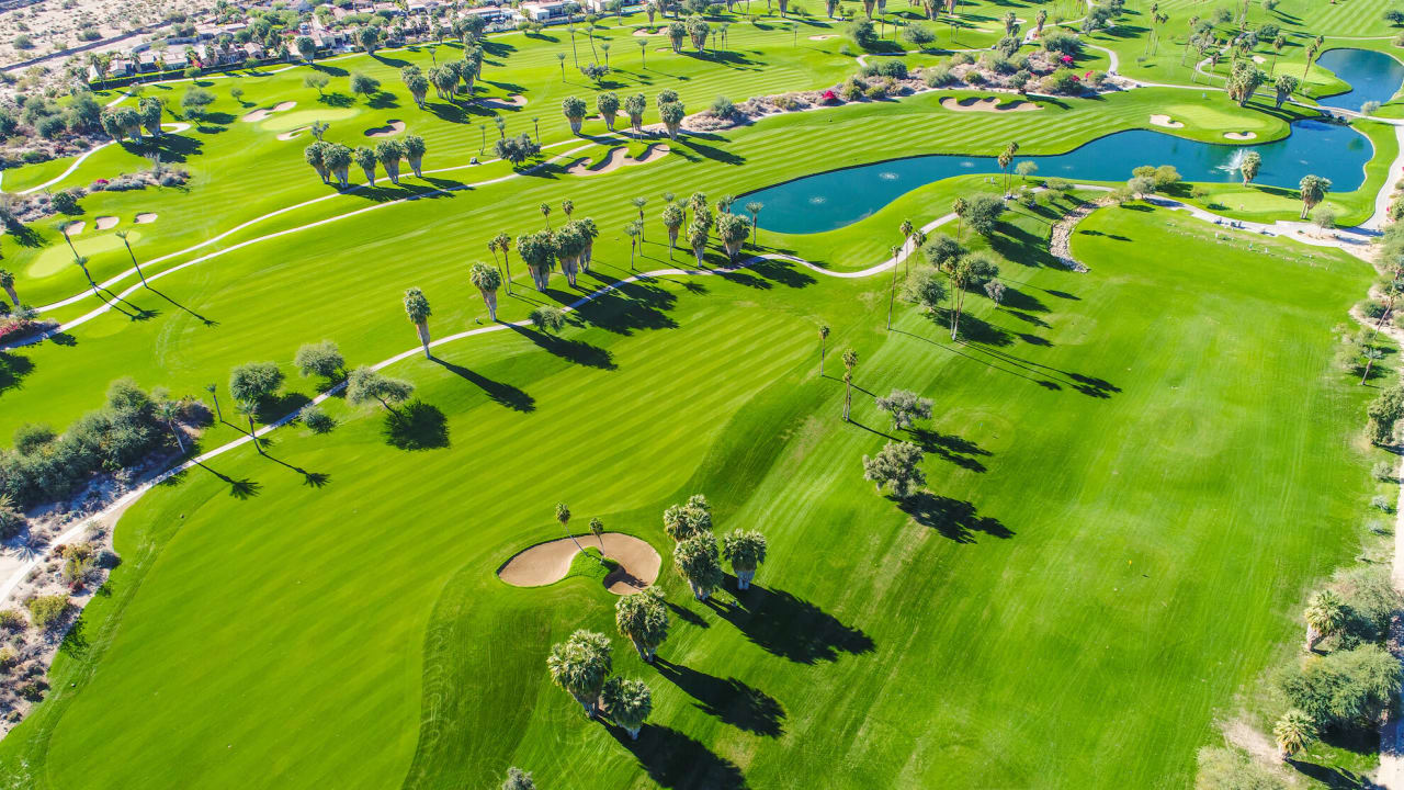 Golf Benefits of Buying a Home in Grey Oaks