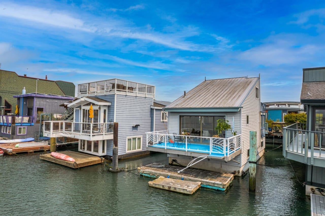 43 Issaquah Dock