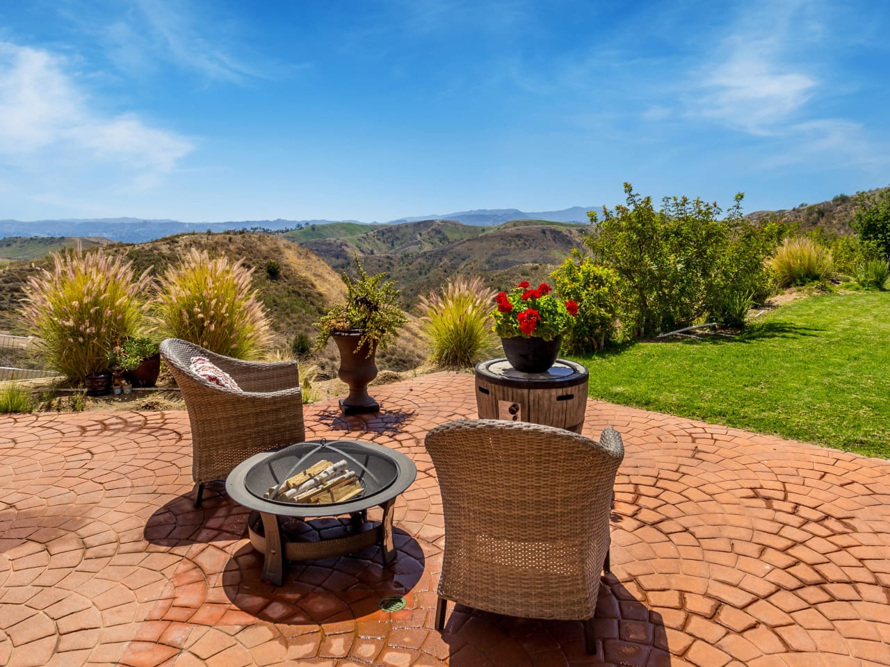 Mediterranean with Captivating Views in Bell Canyon