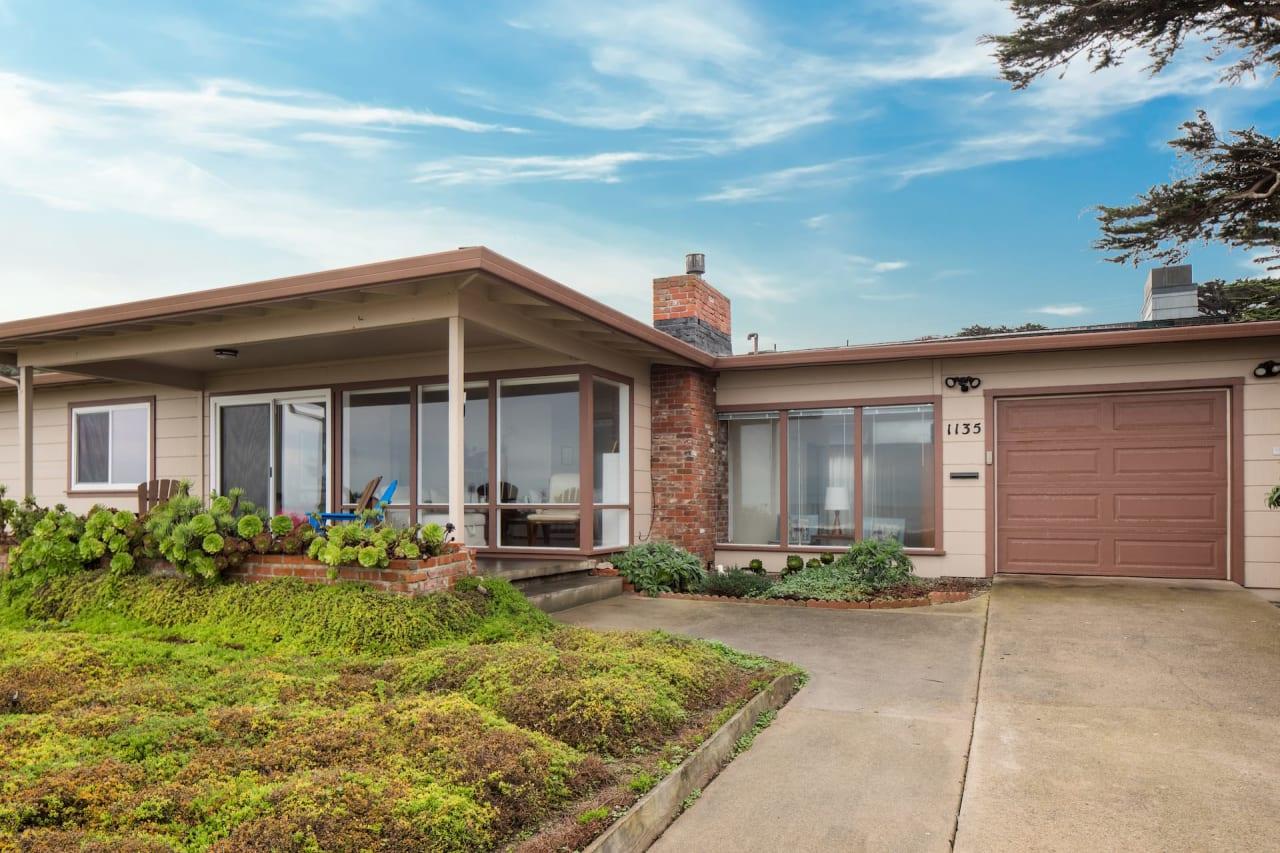 Pacific Grove Paradise - 1135 Ocean View Blvd