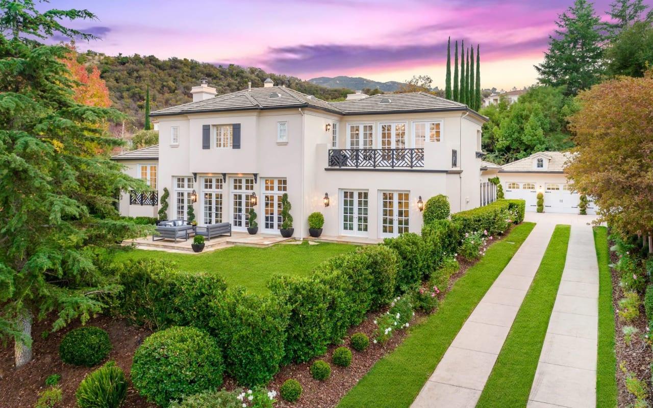 Stunning Showcase Estate