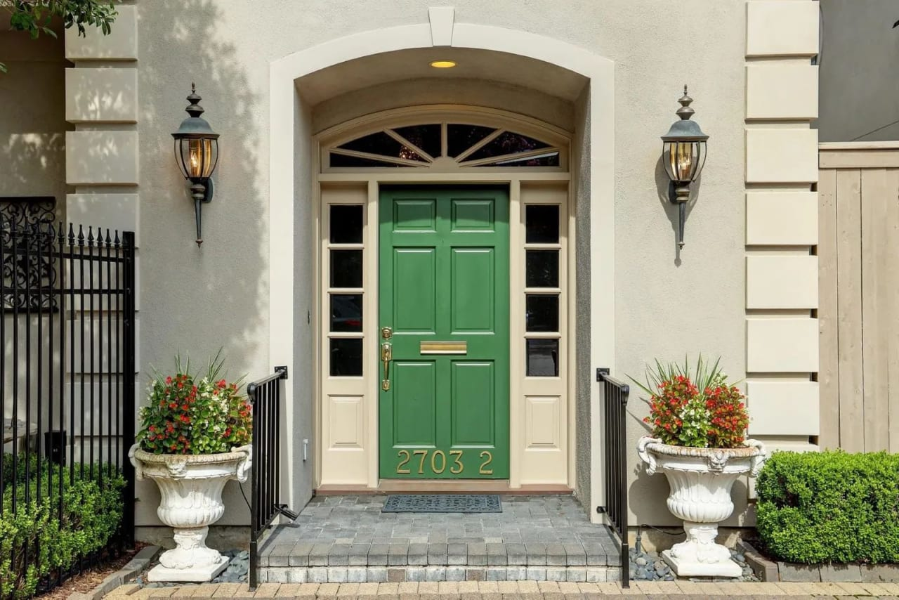 Exuberant Entries: 5 Homes With Colorful Front Doors