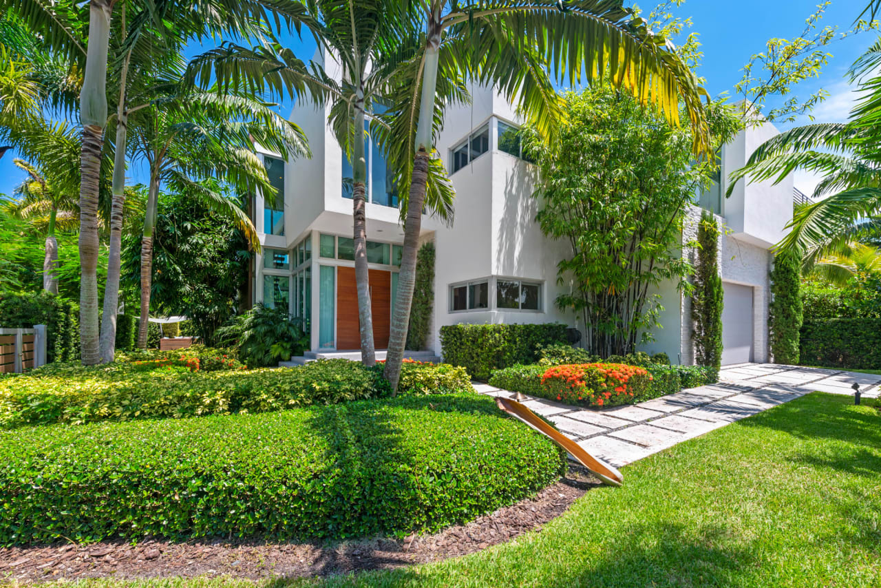 Sold! One of the highest dry lot homes on Hibiscus Island Miami Beach