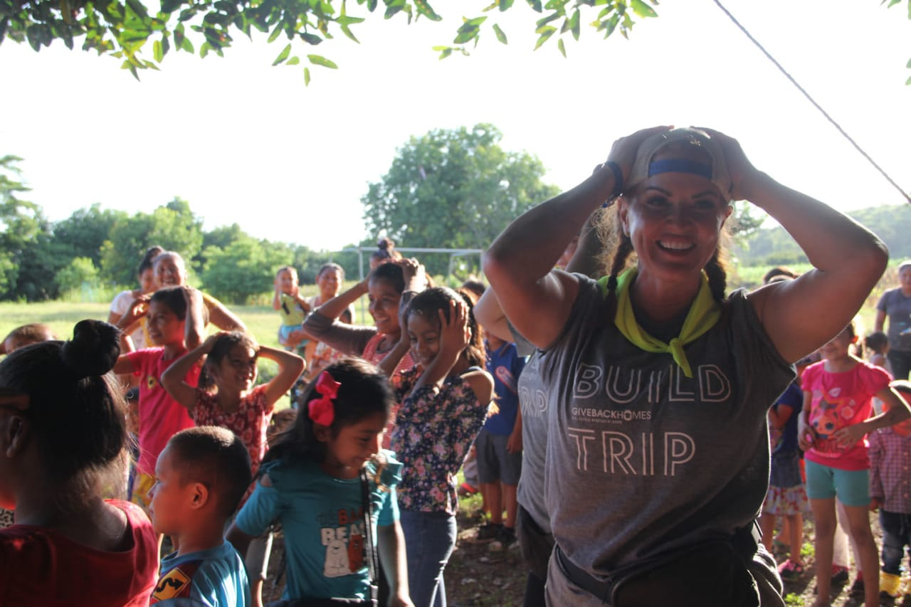 Jessica Northrop Group, Compass Denver.- Giveback Homes - El Salvador 2021