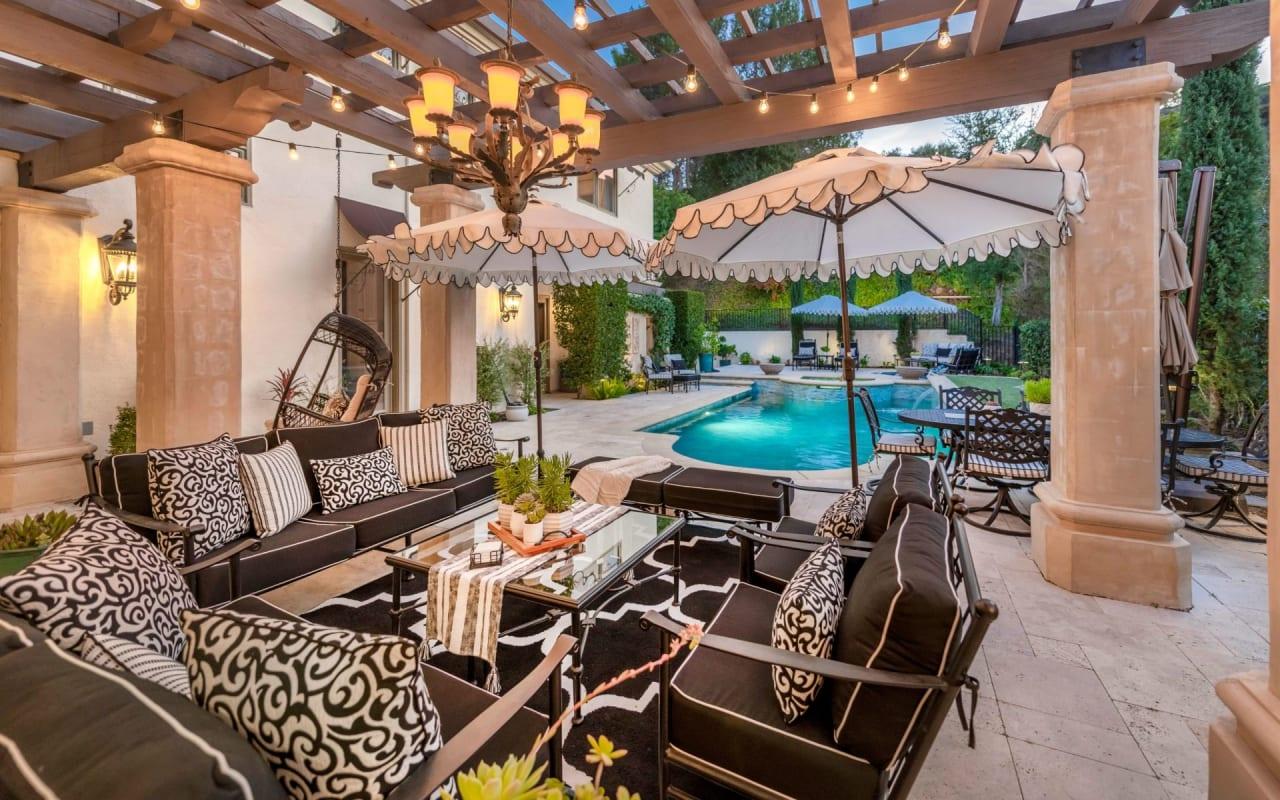 Breathtaking Calabasas Villa with Mountain Views