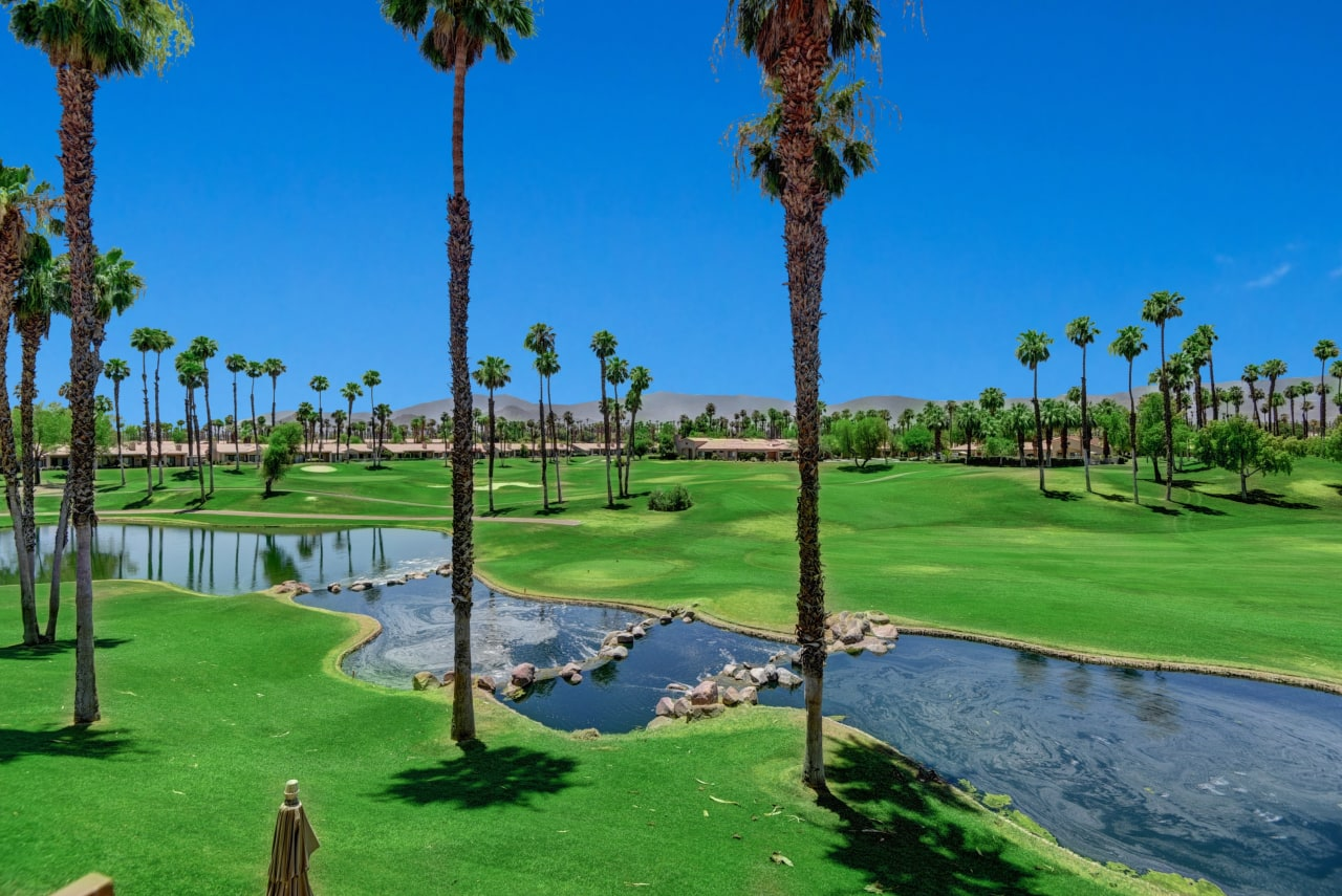 Palm Valley Country Club