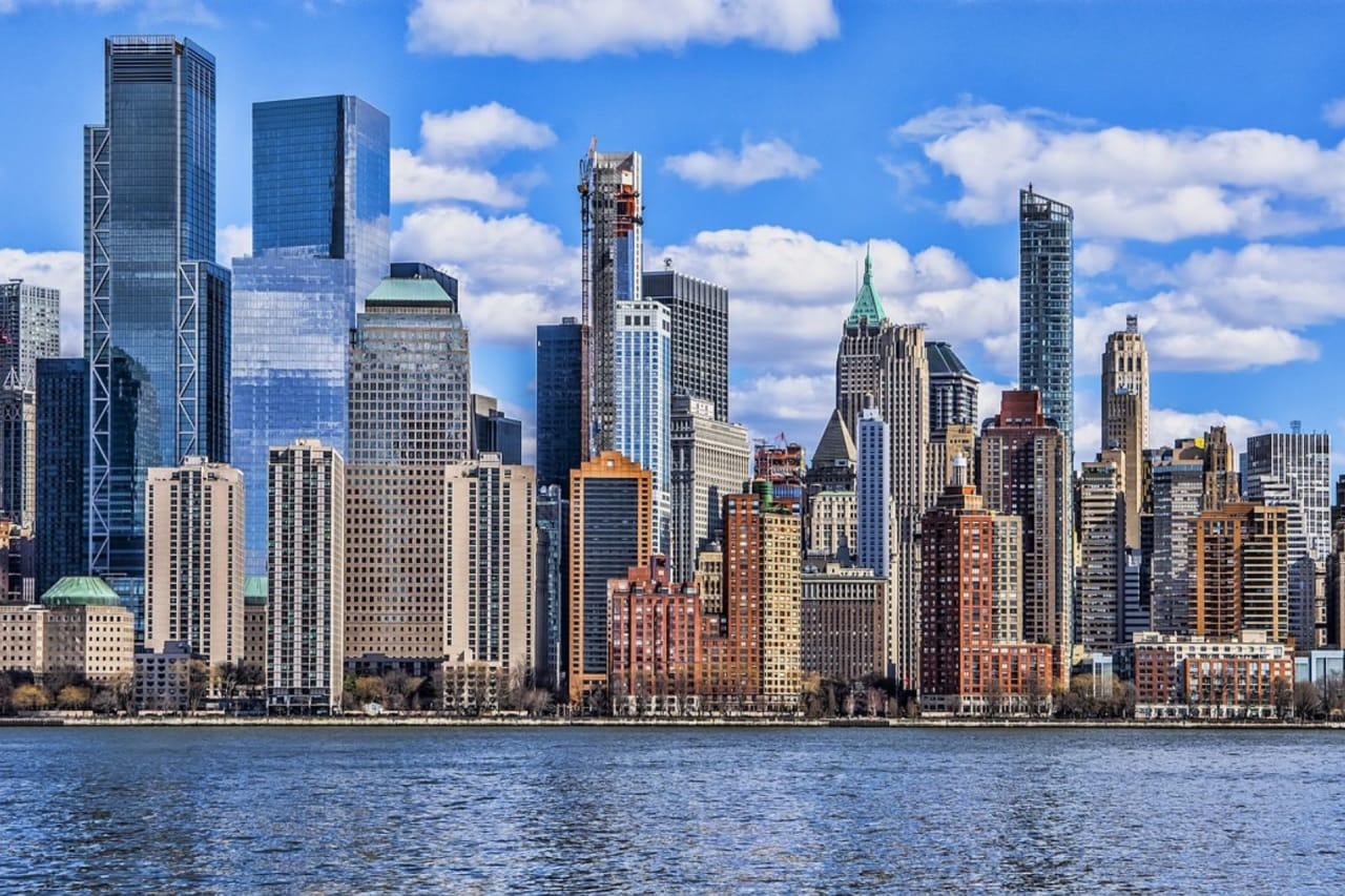 8 Reasons More People Move to Manhattan in the Summer