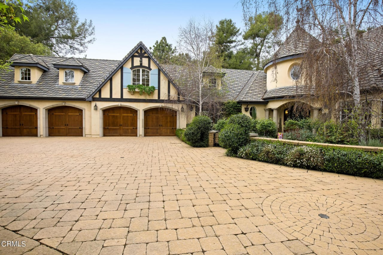 3829 Chevy Chase Dr photo