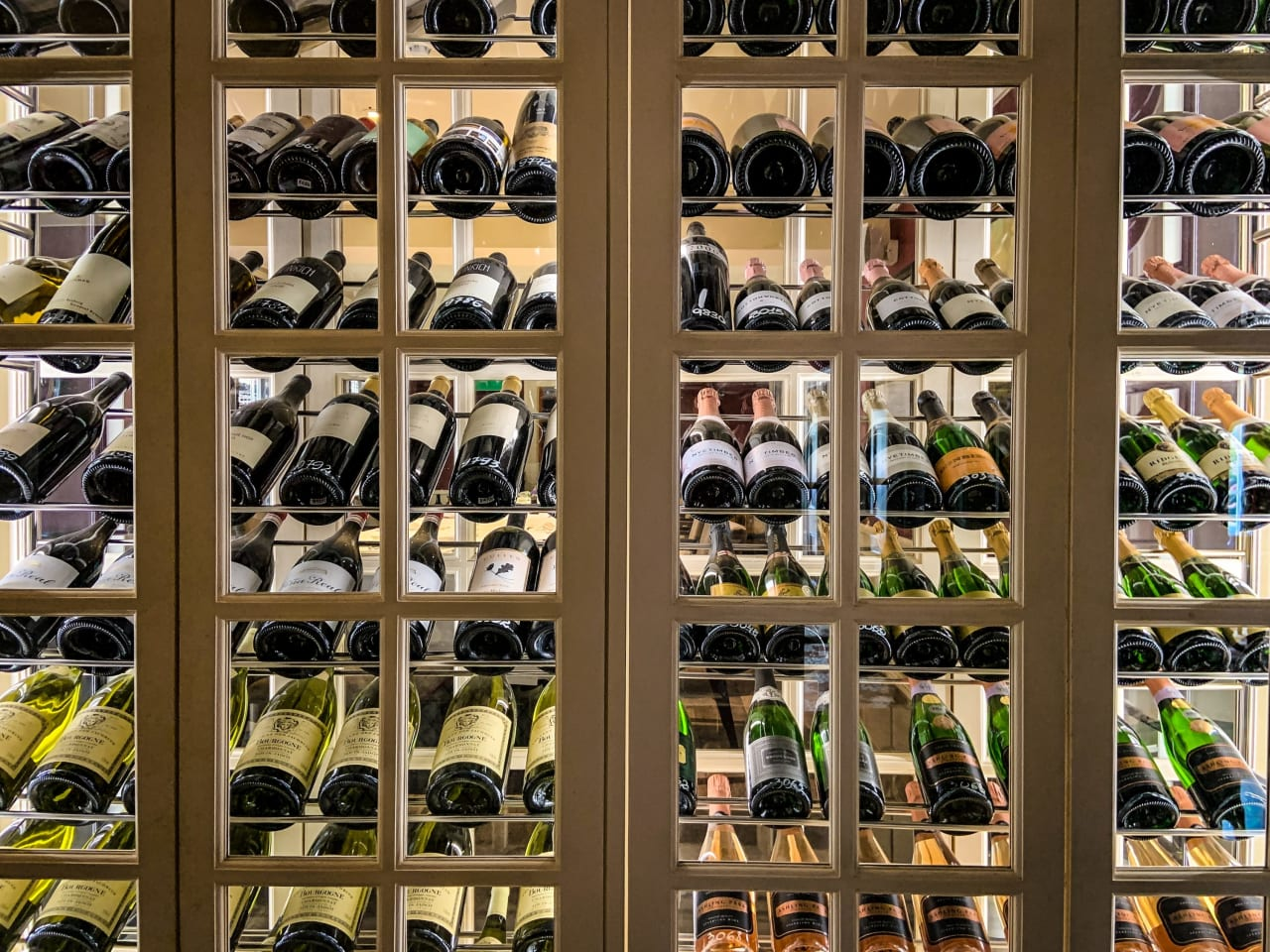 Wine Storage Goes AI to Bring the Virtual Sommelier Home