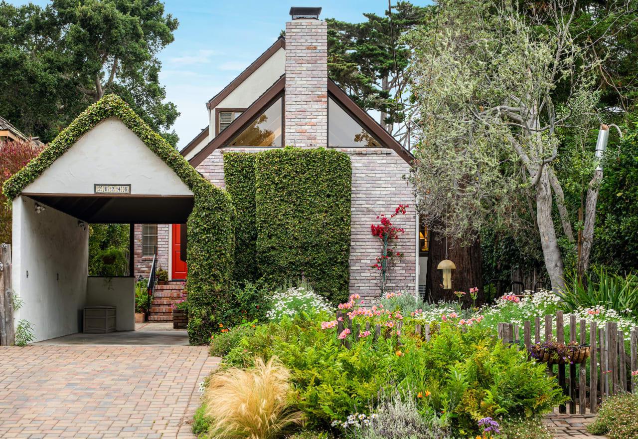 Charming Carmel Cottage - 26246 Carmelo