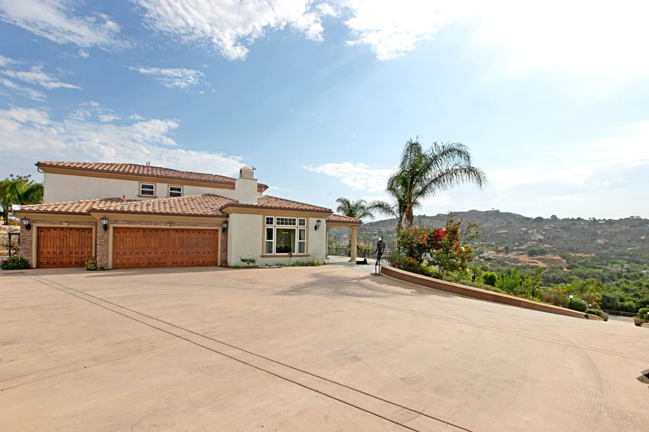 12156 Lilac Heights