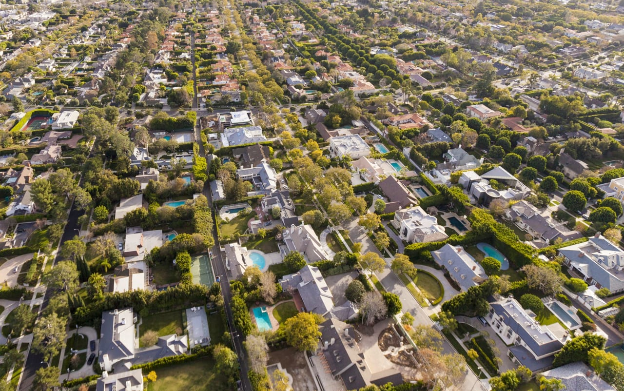 City or Suburbs: Which Chicago Neighborhood is Right for You?