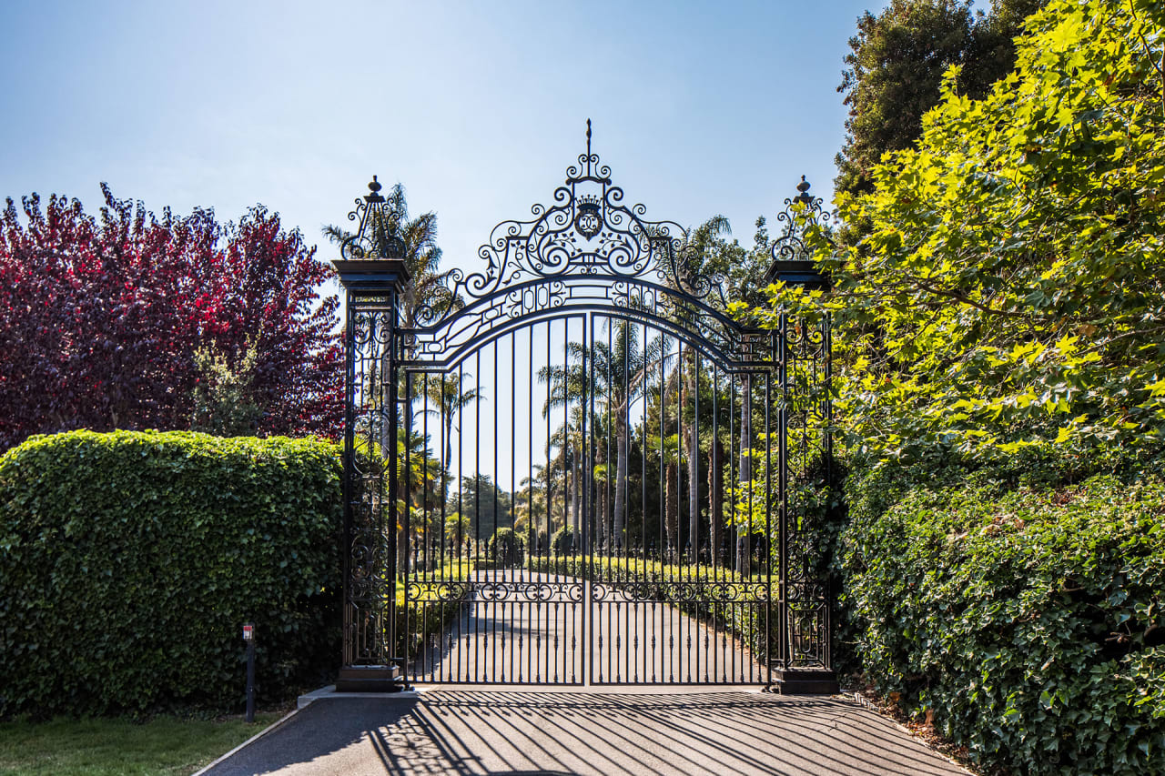 The Monterey Manor