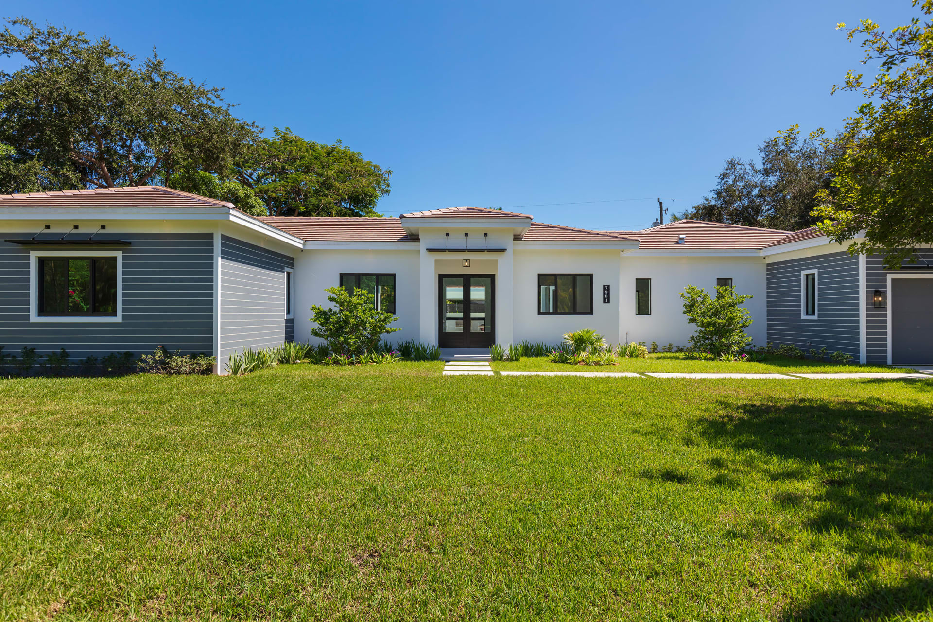 Record Sale of $813 PSF in South Miami | 7901 SW 59 Avenue | Michael Martinez | ONE Sotheby's video preview