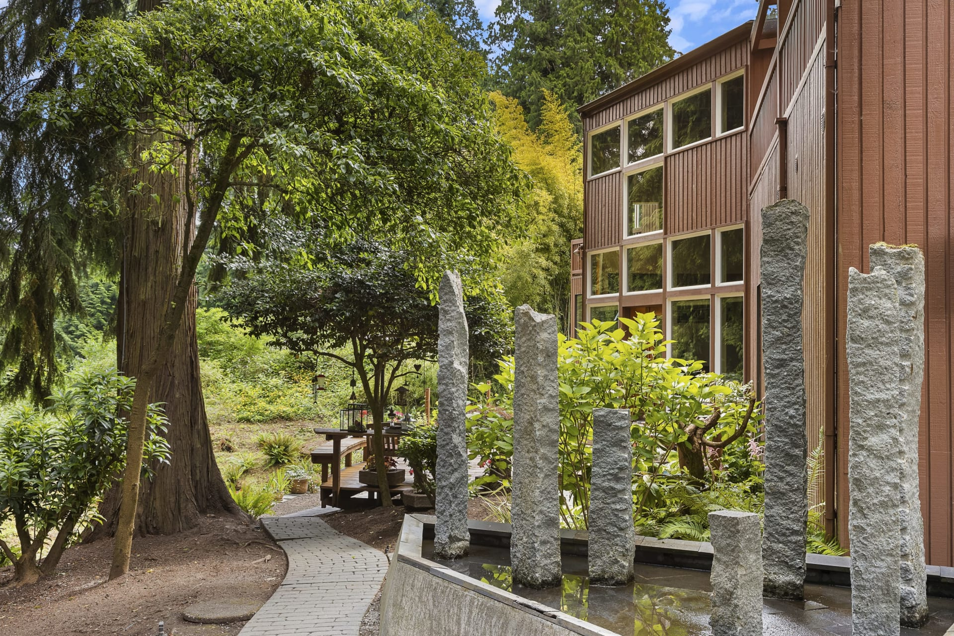 $1,550,000 / 2300 168th Ave SE Bellevue, 98008 image