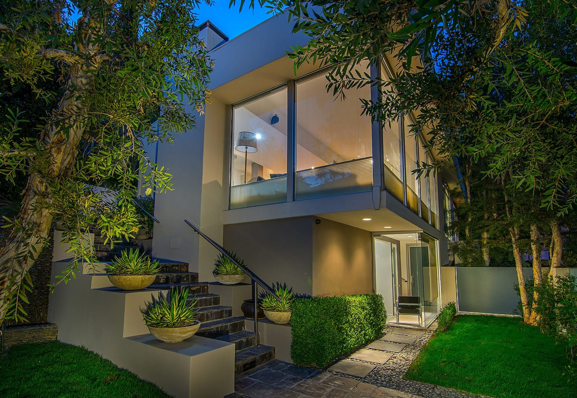 Sophisticated Contemporary Retreat