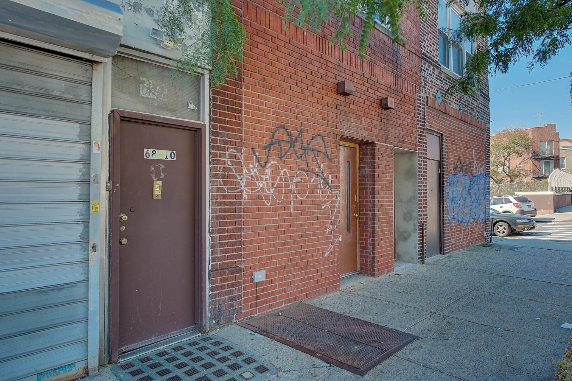 68-10 Woodside Ave photo