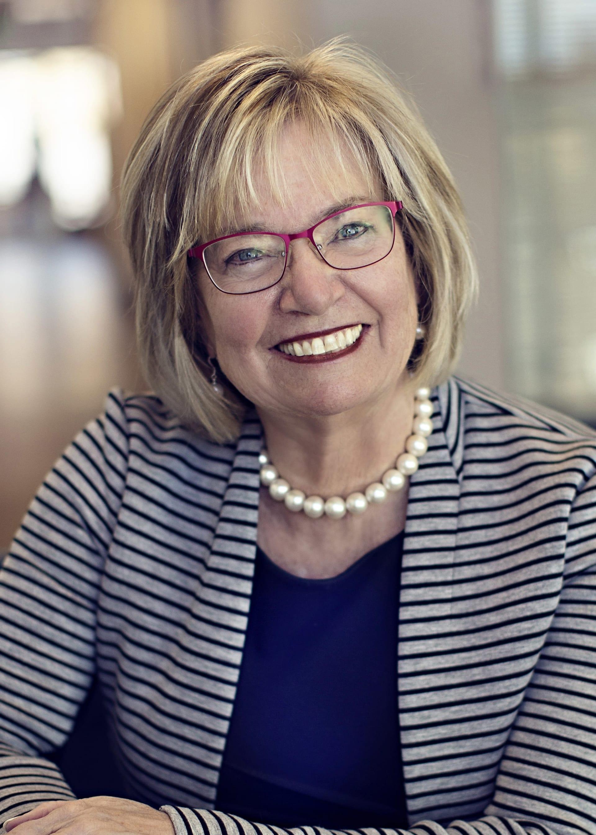 Anne Dresser