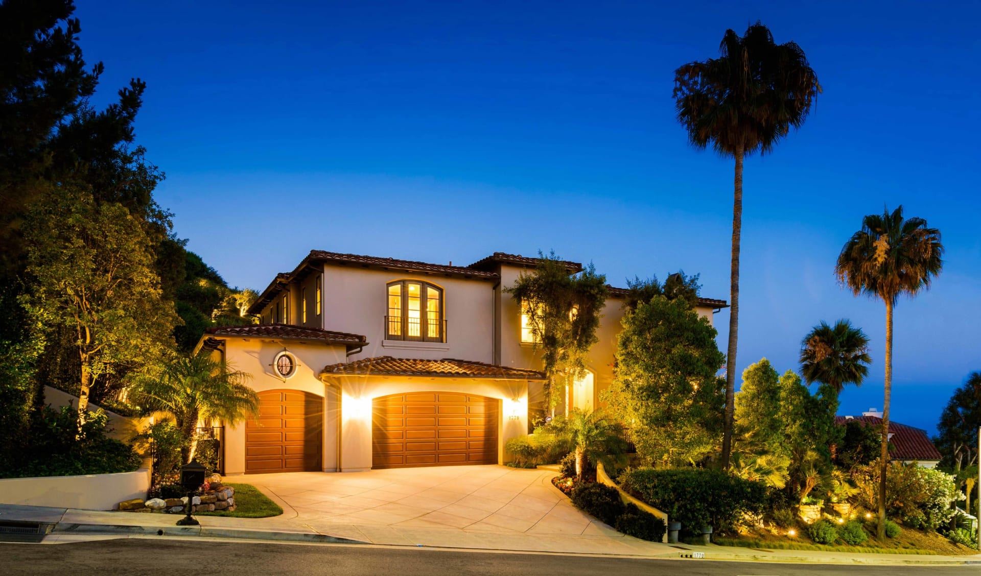 In Escrow   1779 Chastain Parkway photo