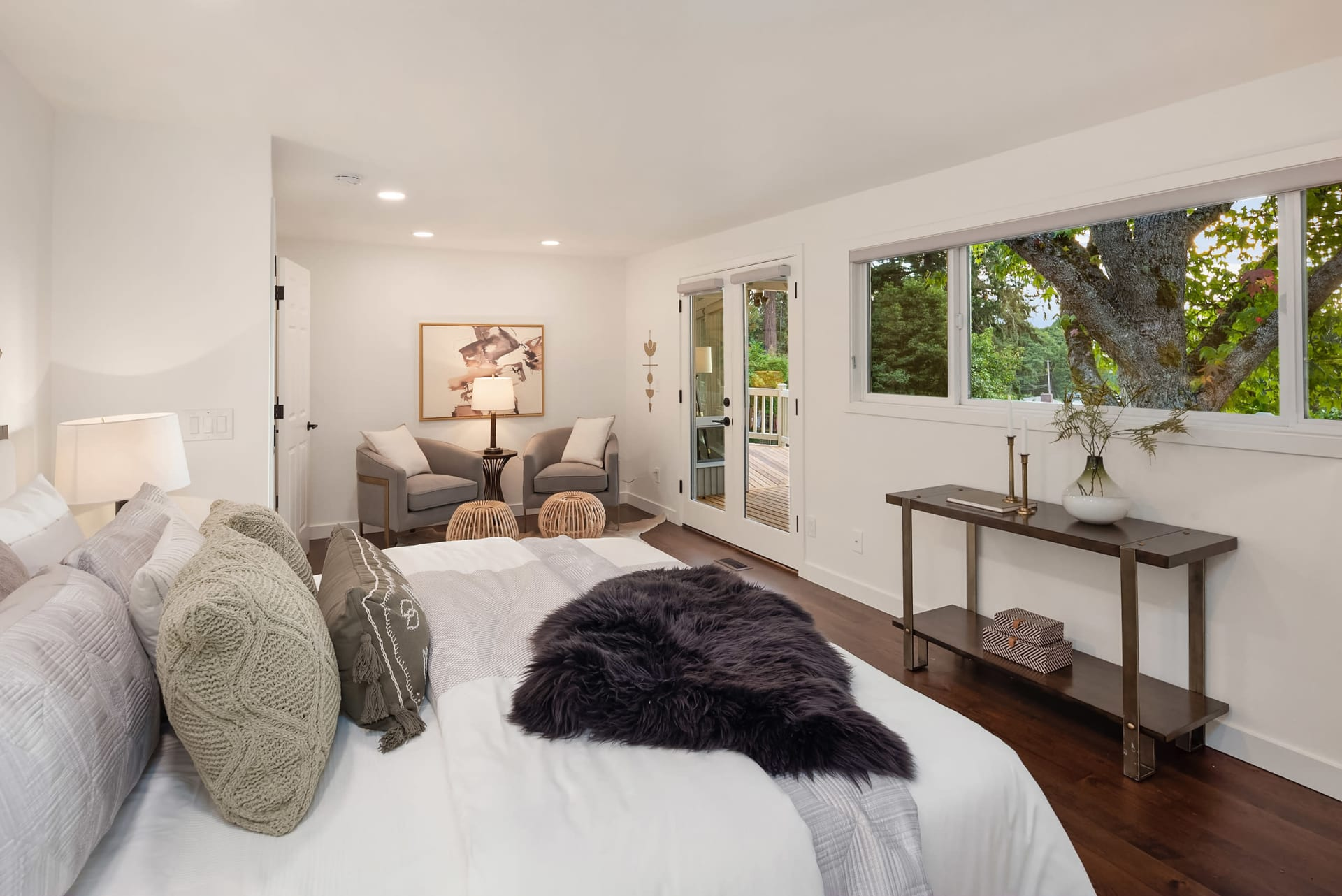 Remodeled NW Contemporary photo