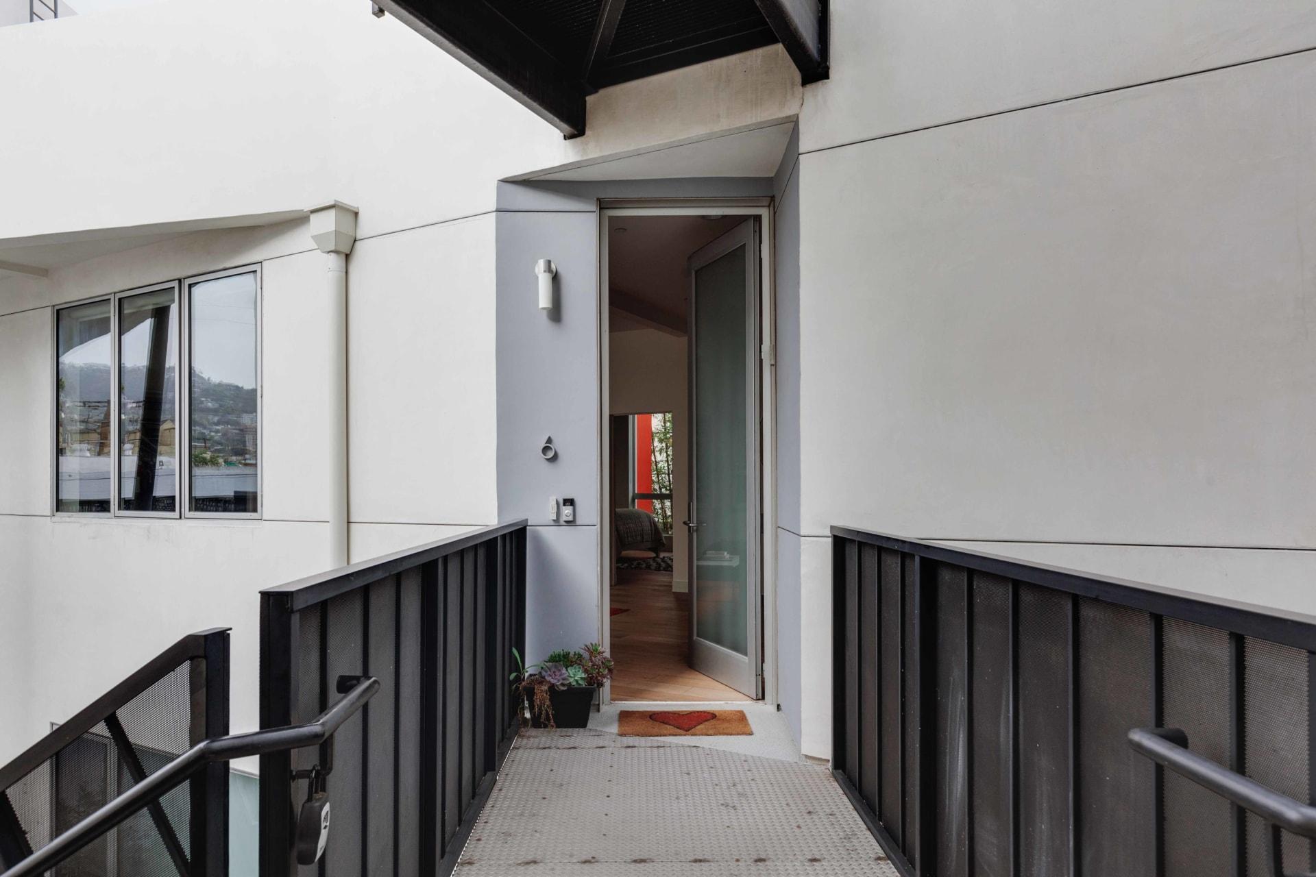 616 N Croft Ave #6 photo