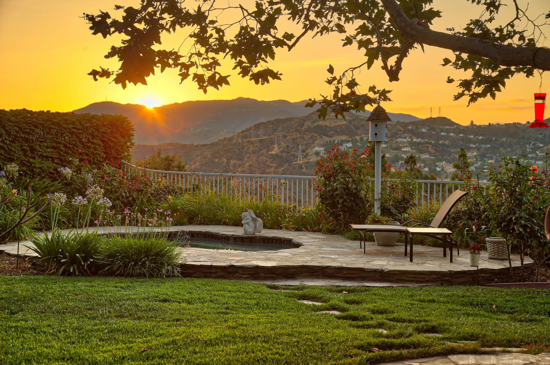 SOLD by Edwin Ordubegian | 1020 Thornwood Street, Glendale | Entertainer's View Home video preview