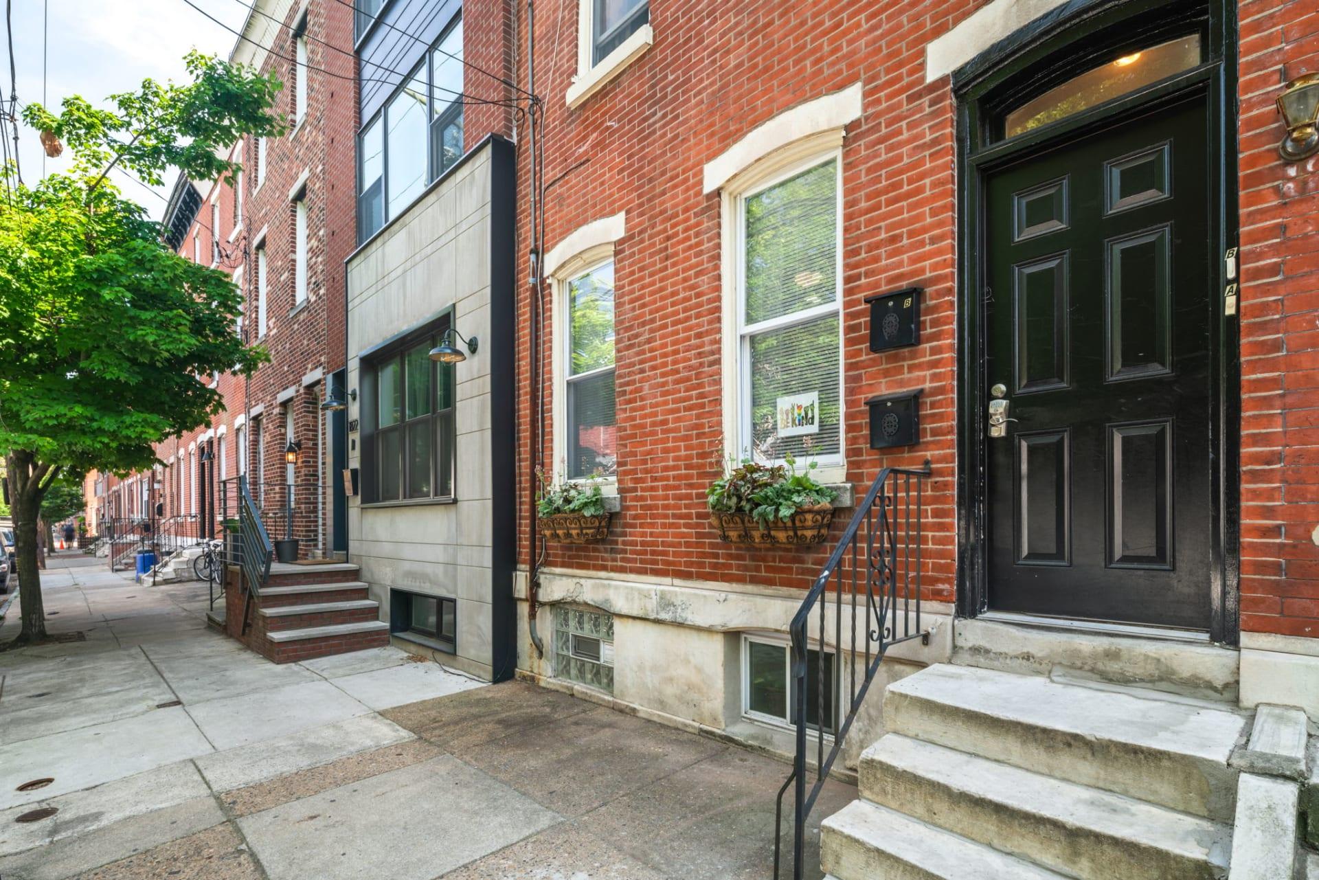 1824 Catharine Street photo