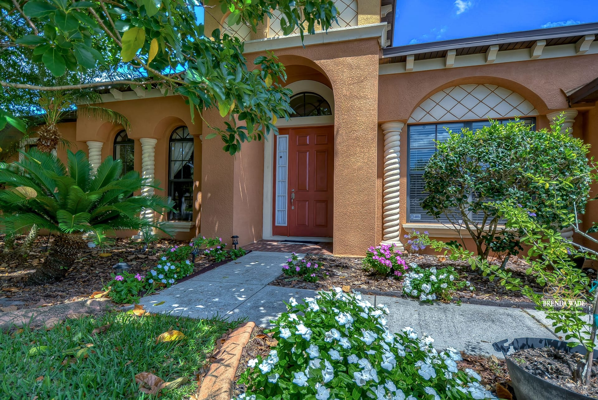 PRICE REDUCED!   1807 ABBEY TRACE  DRIVE