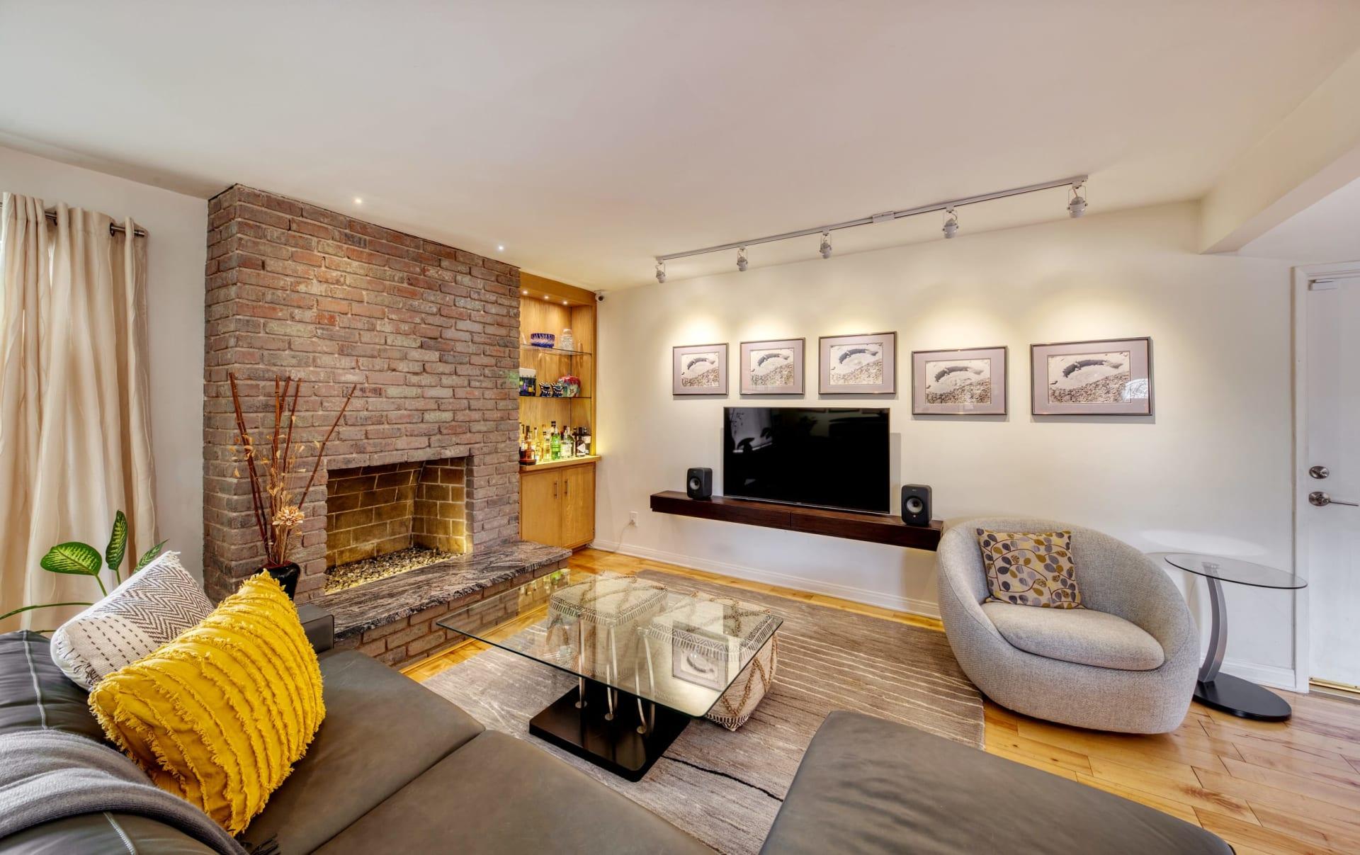 1533 Princeton Street Unit: 1 photo