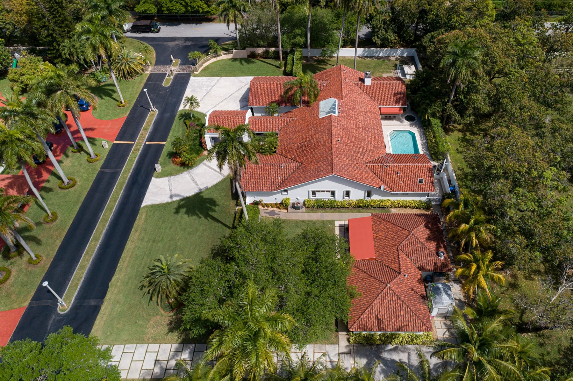 Magnificent Private Oasis | 7700 SW 68 Terrace, Miami video preview