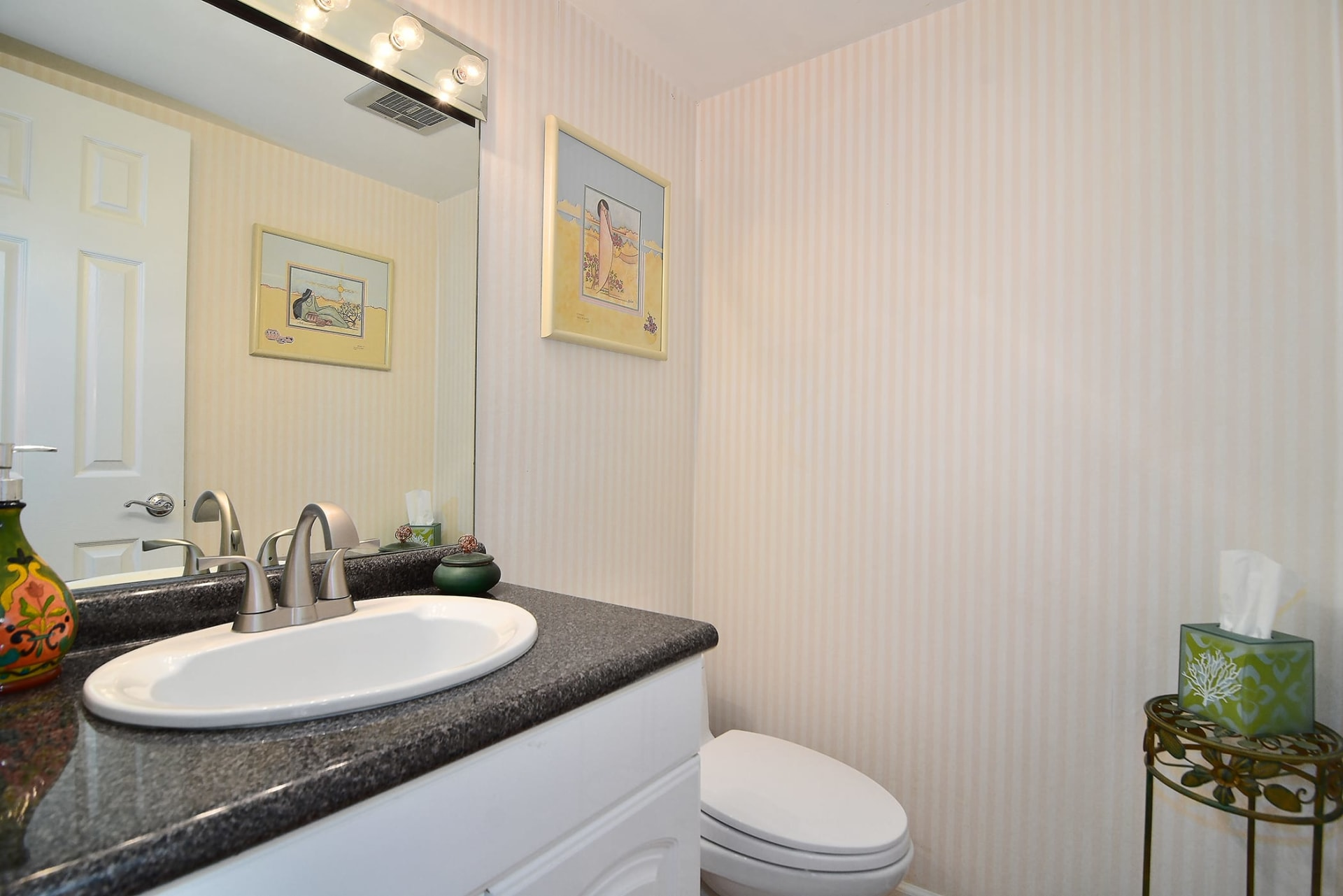 1844 Midvale Ave #7 photo