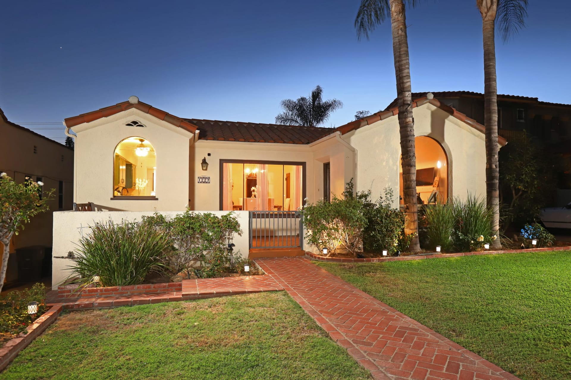 SOLD #GetMoreGetEdwin 1227 Cordova Ave Glendale | Gorgeous Spanish Character Pool Home video preview