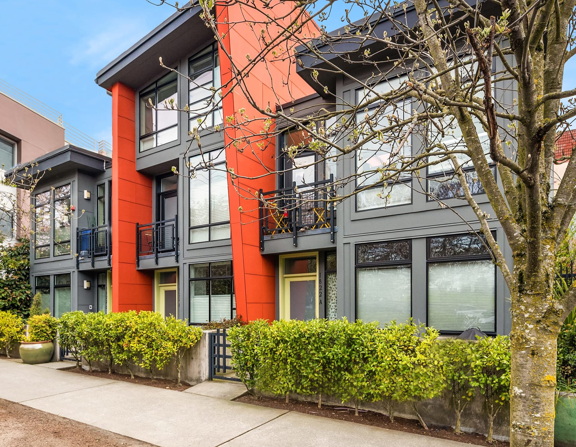 $915,000 / 1818A 11th Ave Seattle 98122 image