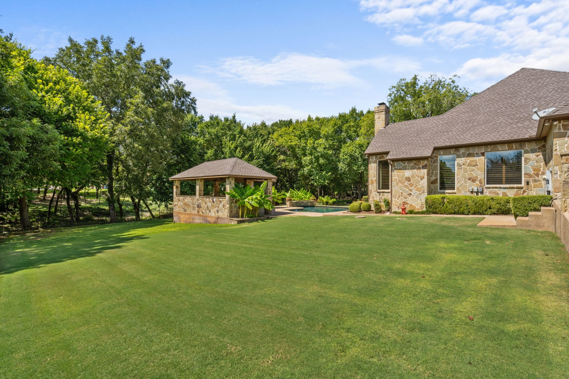 Over an Acre in Aledo's Stone Creek Farms photo