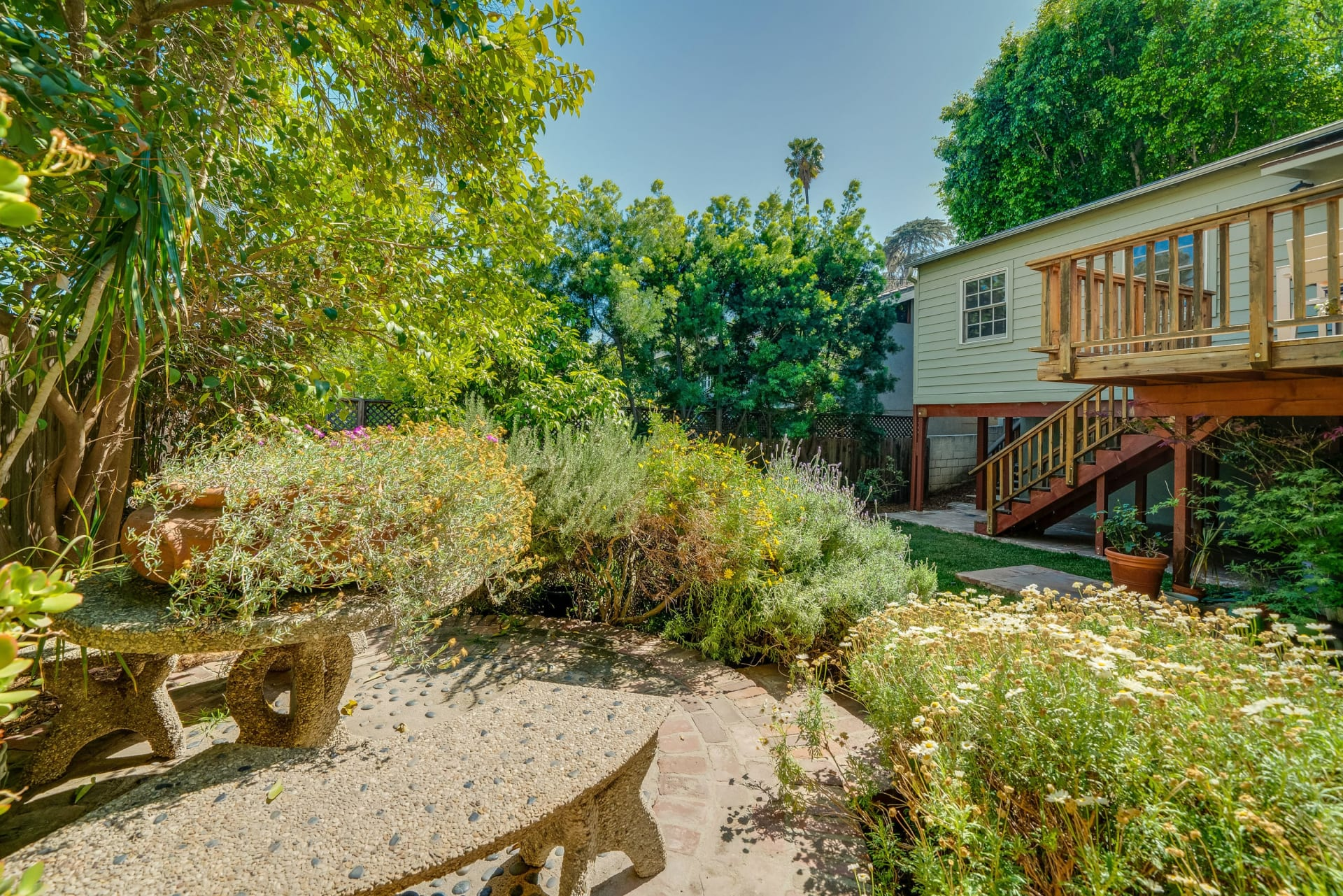 Hooray for the Hollywood Manor - sold $200K over asking photo