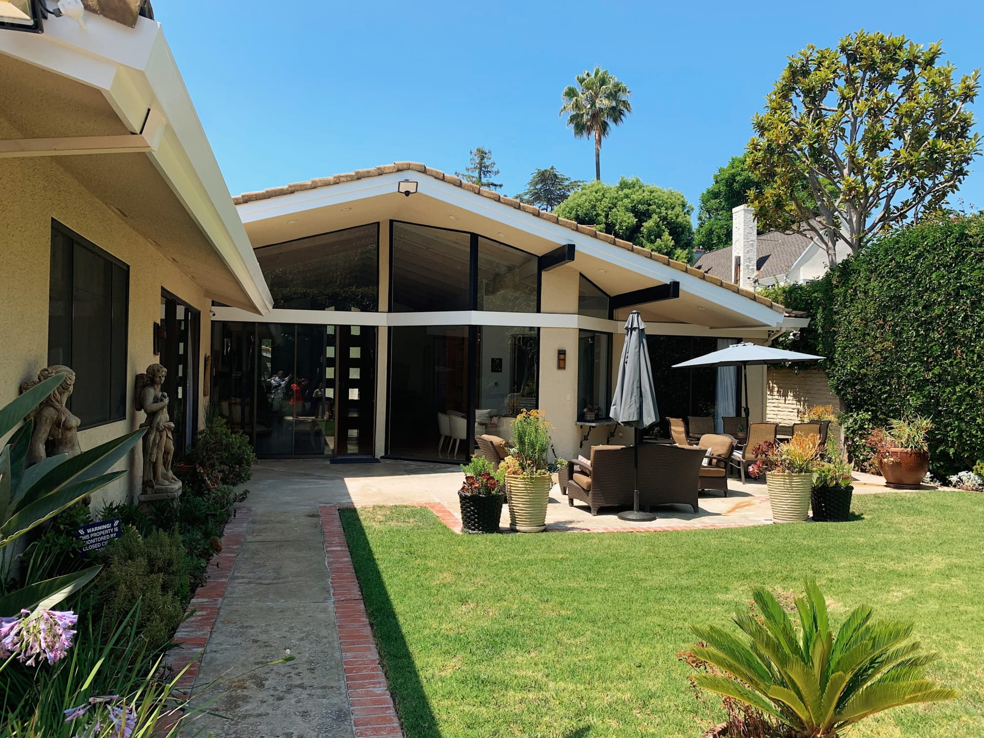 Off Market Lease Beverly Hills Flats photo