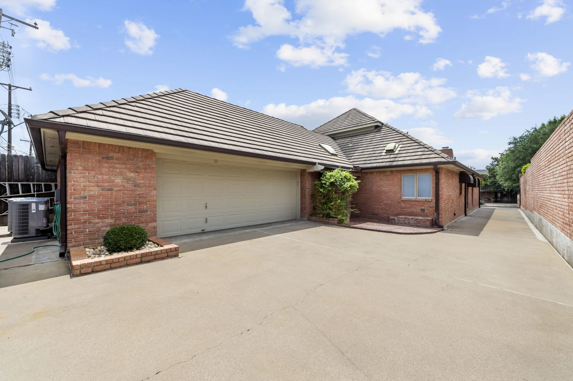 Curb Appeal in Rivercrest photo