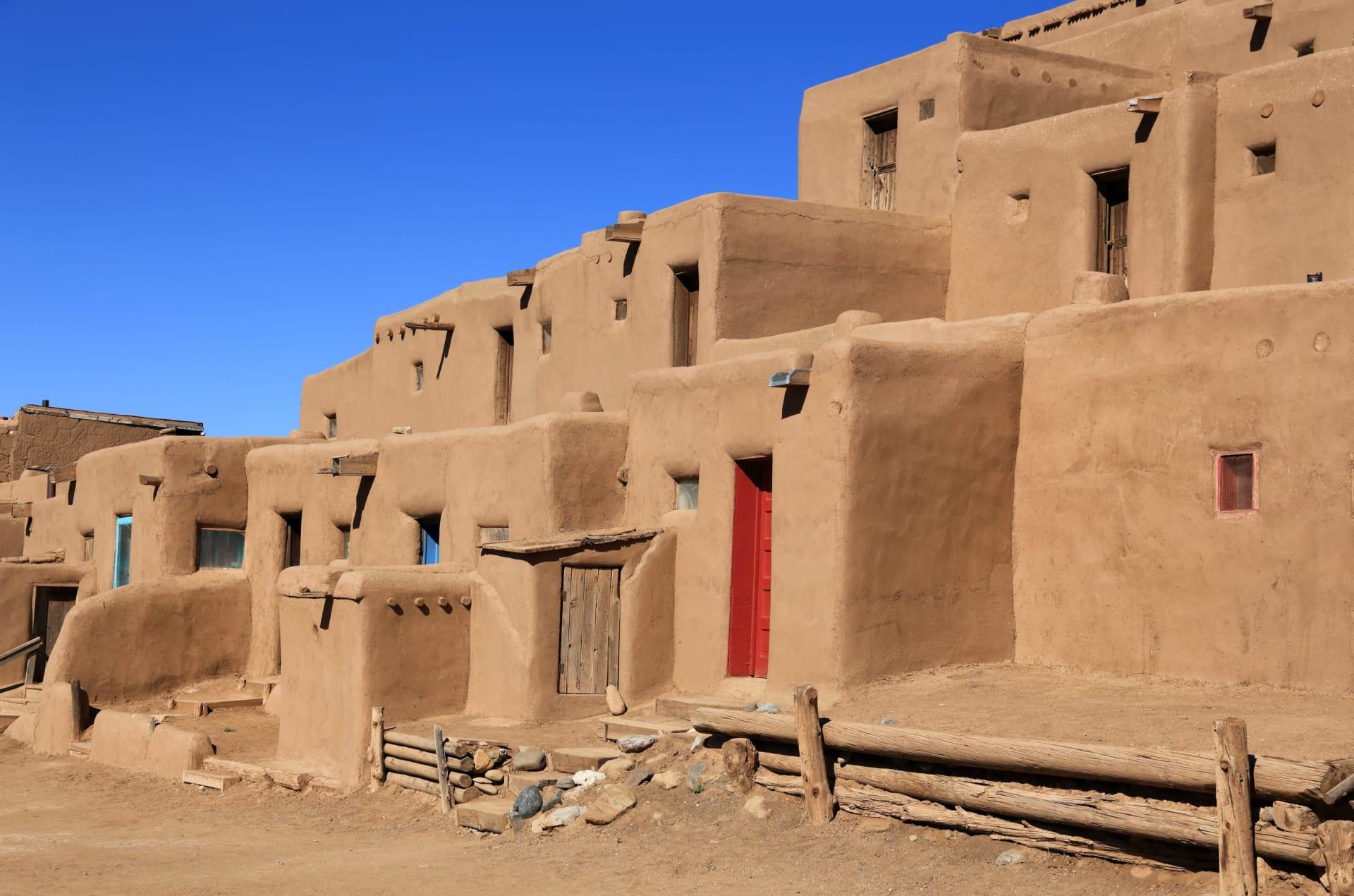 Pueblos image
