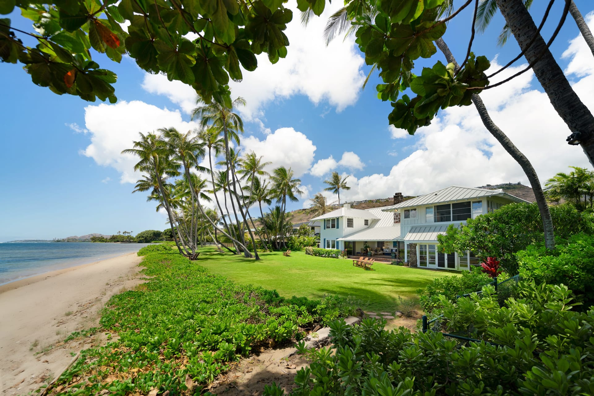 5621 Kalanianaole Highway, Honolulu, Hawaii video preview
