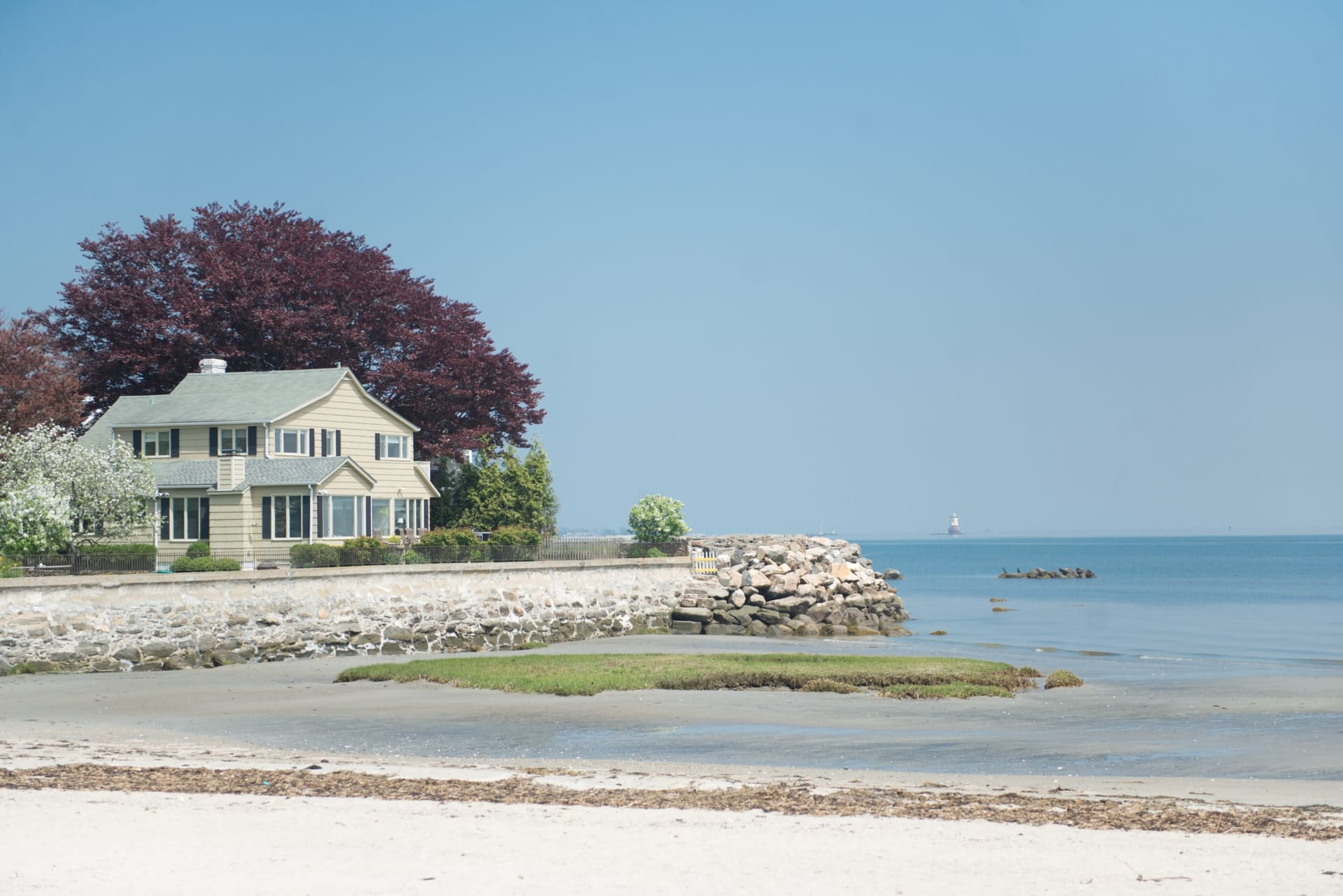 Live the Greenwich Lifestyle: the Benefits of a Summer Home
