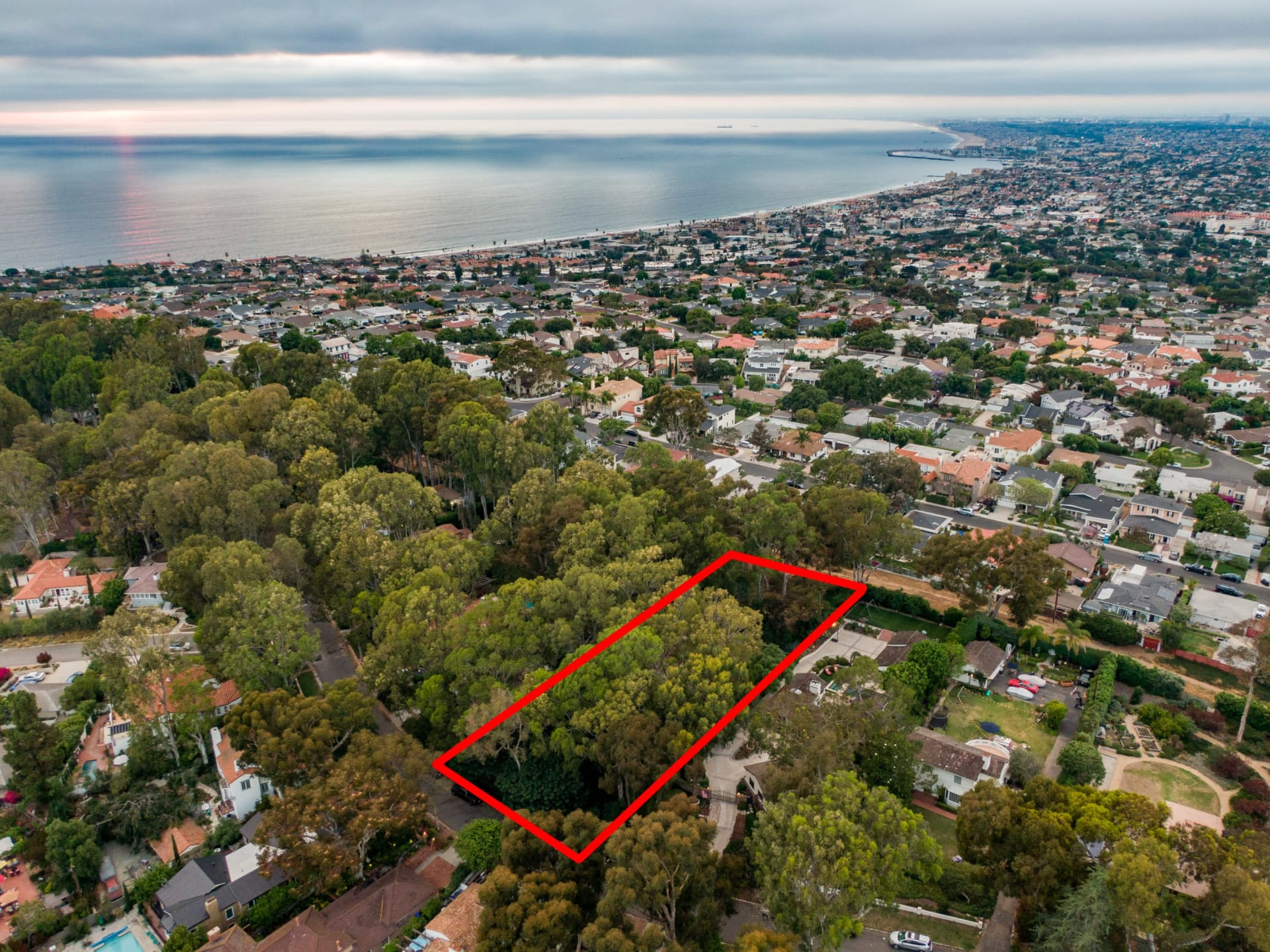 Over 1/2 acre in Valmonte